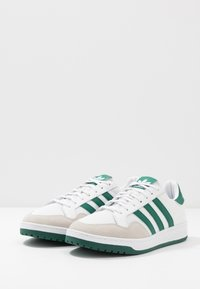 adidas Originals - TEAM COURT - Baskets basses - footwear white/collegiate green - 2