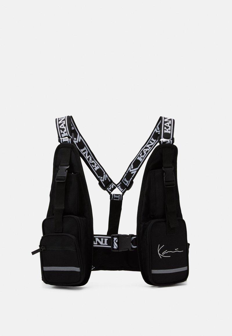 Karl Kani - TAPE UTILITY VEST BAG - Across body bag - black