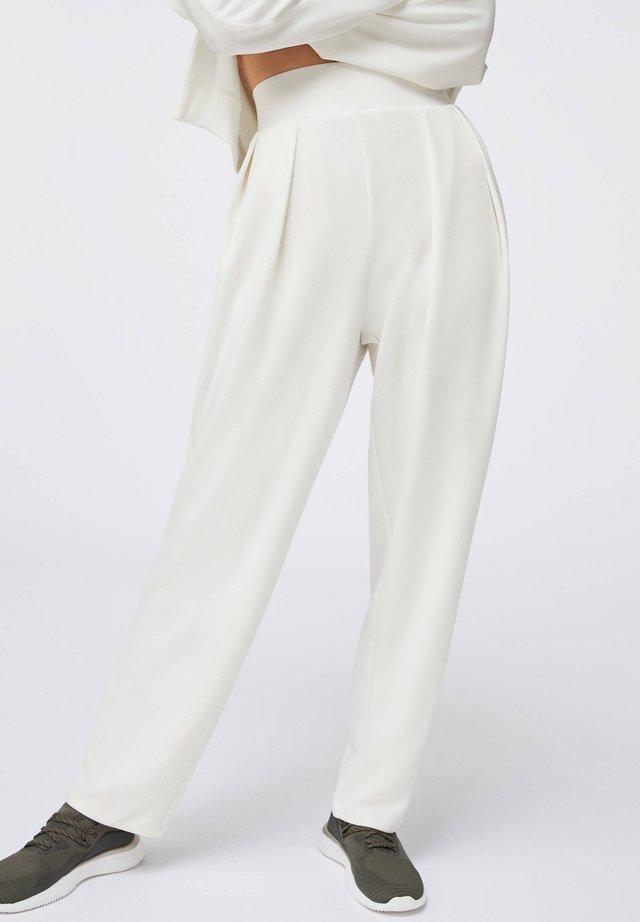 MODAL - Tygbyxor - white