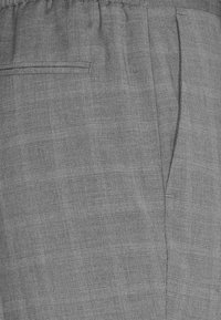 Isaac Dewhirst - CHECK SUIT - Kostym - light grey - 6