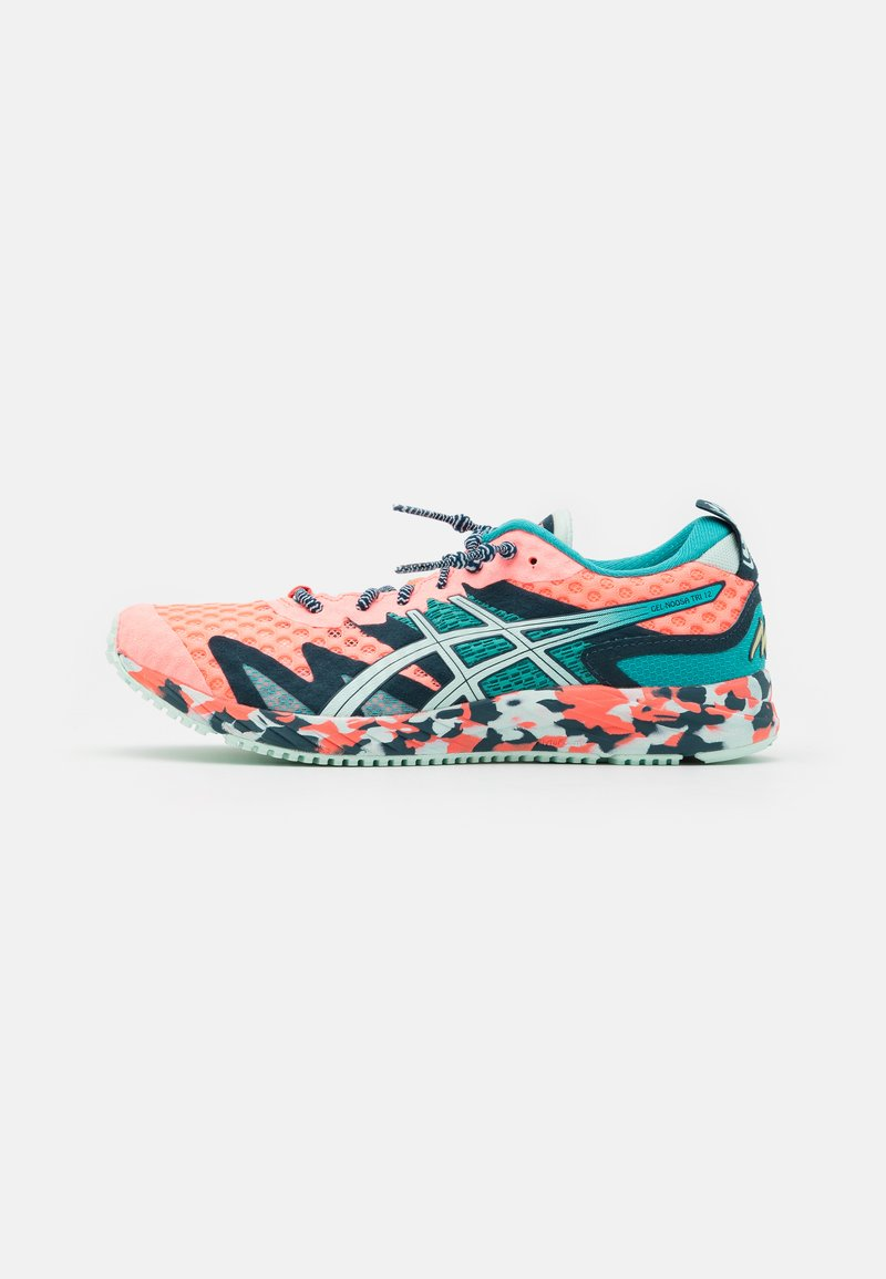 ASICS - GEL-NOOSA TRI 12 - Competition running shoes - sun coral/bio mint