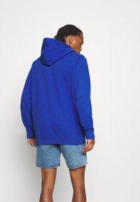 adidas Originals - HOOD OUT - Hoodie - royal blue - 2