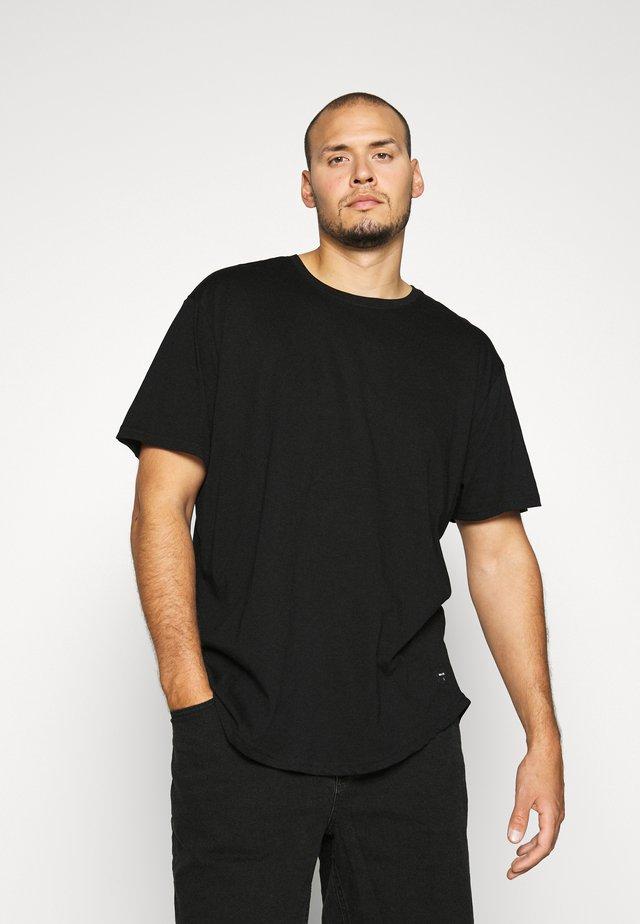 MATT 3 PACK - Basic T-shirt - black