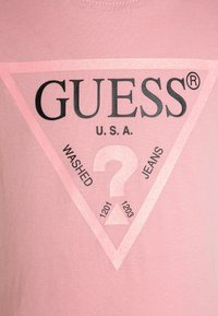 Guess - JUNIOR CORE - Print T-shirt - carousel pink