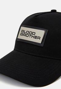 Blood Brother - EMBANKMENT - Kšiltovka - black - 3