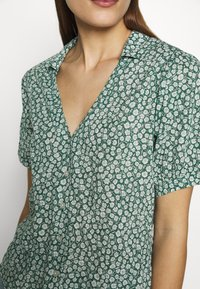 Abercrombie & Fitch - SUMMER - Camicia - green - 5