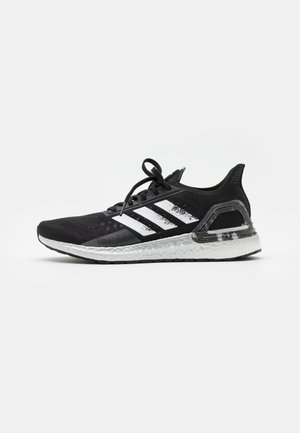 ULTRABOOST PB DNA SPORTS RUNNING SHOES - Neutrala löparskor - core black/footwear white/signal coral