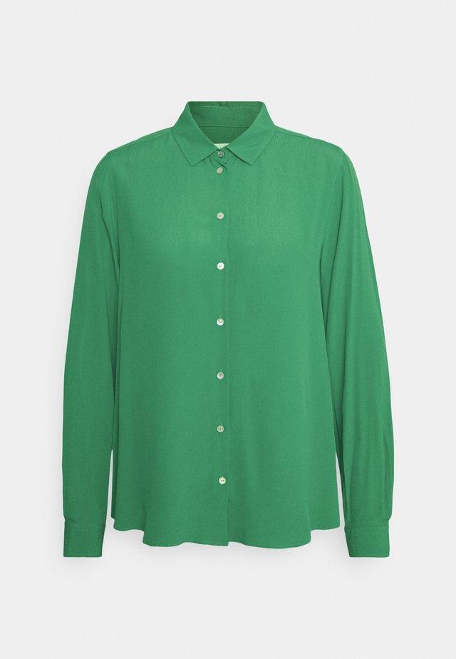 REGULAR FIT - Button-down blouse - grün