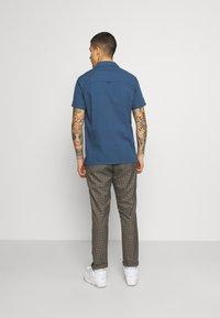 Far Afield - STACHIO SHIRT TEXTURED STRIPE - Shirt - ensign blue - 2