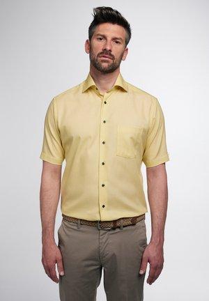 MODERN FIT - Shirt - gelb