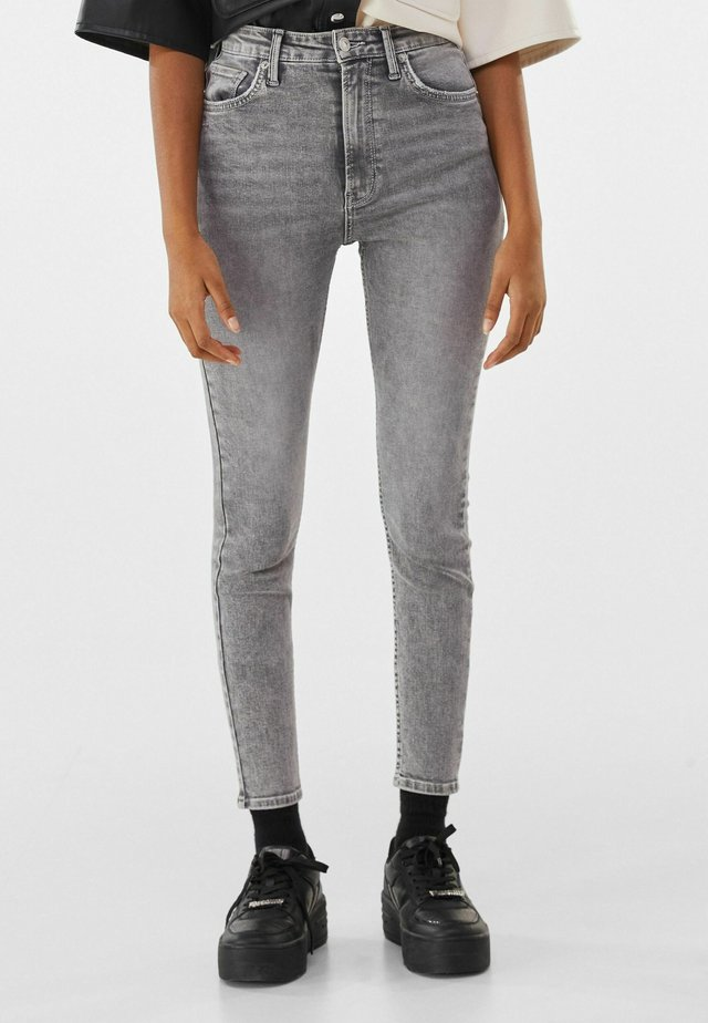 SUPER HIGH WAIST - Jean slim - grey