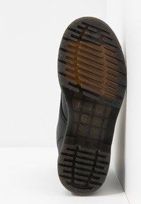Dr. Martens - 1460 WP - Platform ankle boots - black republic - 6