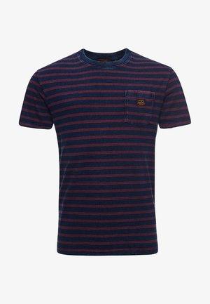 Print T-shirt - full indigo wash/red stripe