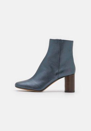 AIRY - Kotníkové boty - bleu