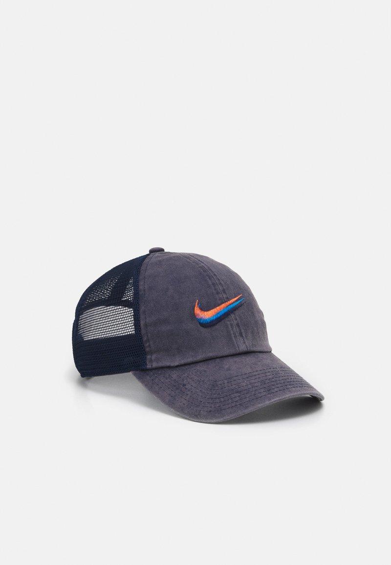 Nike Sportswear - UNISEX - Lippalakki - obsidian