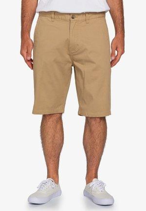 HOWLAND  - Shorts - desert khaki