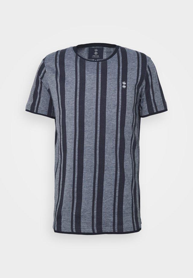 SIMON TEE - T-shirt z nadrukiem - navy blazer