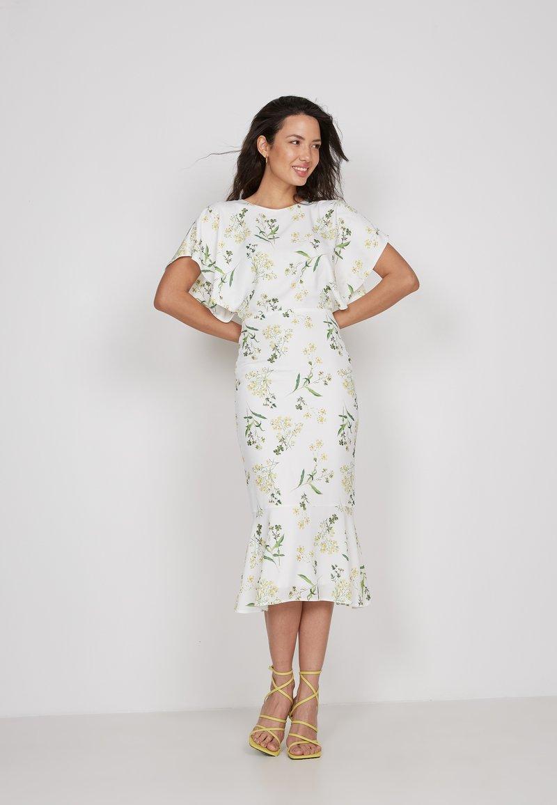 True Violet - Shift dress - white