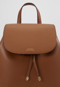 Lauren Ralph Lauren - SUPER SMOOTH FLAP - Reppu - tan/monarc - 2