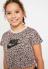 Nike Sportswear - TEE CROP  - Print T-shirt - fossil stone/black - 5