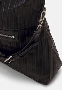KARL LAGERFELD - KUSHION FOLDED TOTE - Tote bag - black - 5