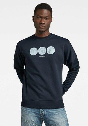 DROPPED SHOULDER OBJECTS GRAPHIC - Sweatshirt - mazarine blue