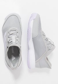 adidas Performance - ADIZERO CLUB - da tennis per terra battuta - grey two/purple tint/footwear white - 0