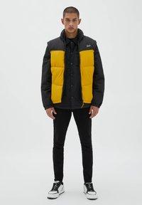PULL&BEAR - Waistcoat - yellow - 1