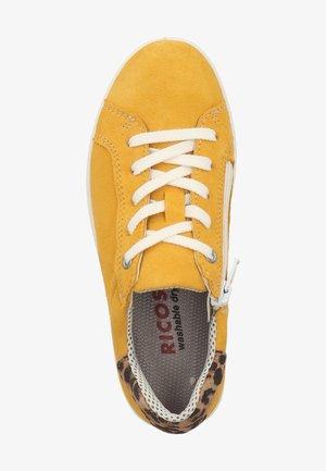 SNEAKER - Sneakersy niskie - gelb 761