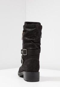 Bullboxer - Kovbojské/motorkářské boty - black - 5
