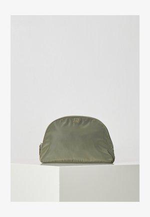 Trousse - beetle green