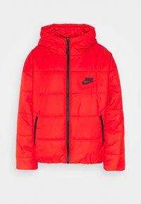 CORE  - Lehká bunda - chile red/white/black