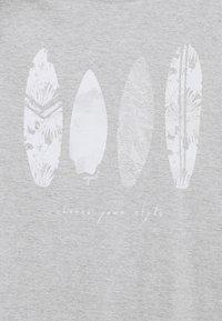 Esprit - FEATH - Print T-shirt - light grey - 4