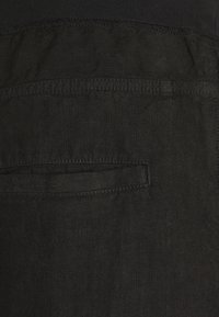 120% Lino - TROUSERS - Kalhoty - black - 5