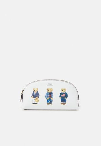 SMOOTH BEAR CASE - Wash bag - white multi