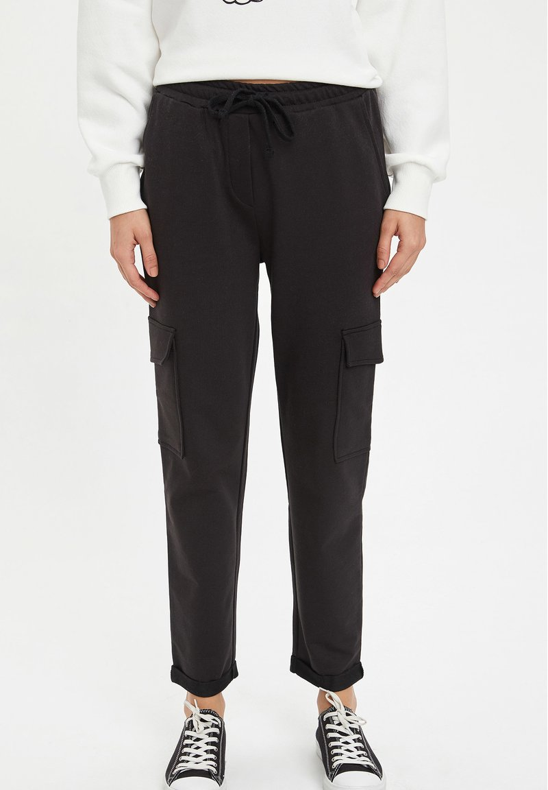 DeFacto - Cargo trousers - black