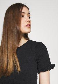 Carin Wester - TWIG - T-shirts print - black - 3