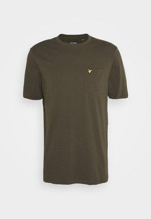 RELAXED POCKET - Basic T-shirt - trek green