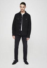PULL&BEAR - Džínová bunda - mottled black - 1