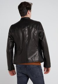 Schott Made in USA - CAFE RACER - Giacca di pelle - black - 2