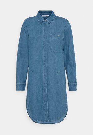 DRESS CUFFED SLEEVES - Košilové šaty - blue denim