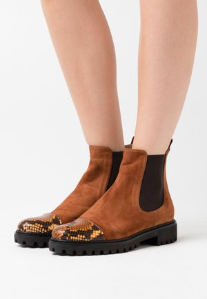 Classic ankle boots - punta
