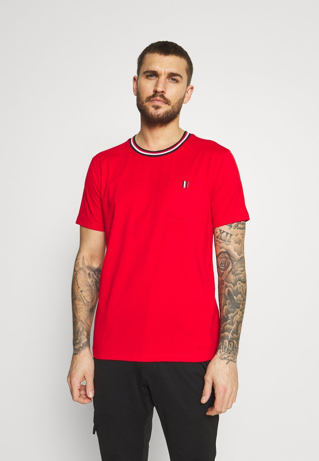 KARISTO - T-shirts med print - classic red