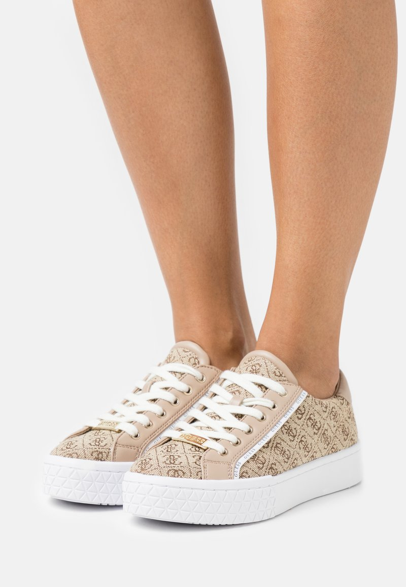 Guess - PARDIE - Sneakers basse - beige/light brown