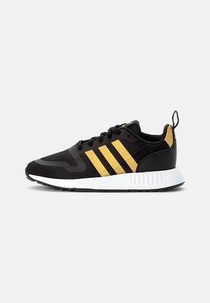 MULTIX  - Sneakersy niskie - core black/gold met/white