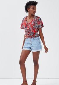 Cache Cache - Print T-shirt - rouge - 1