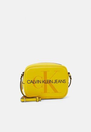 CAMERA BAG - Across body bag - yellow