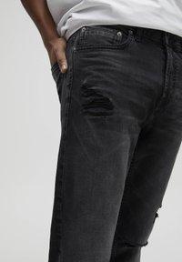 PULL&BEAR - Slim fit jeans - black - 3