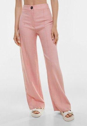 LOOSE-FITTING WIDE-LEG - Spodnie materiałowe - pink