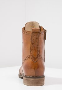 Pier One - Bottines à lacets - cognac
